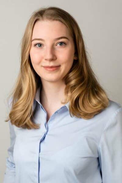 Pia Elisa Boelens, Zahnmedizinische Fachangestellte und Studentin der Zahnmedizin - zahnarztpraxis drs. Kisters, Witten